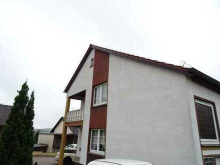 Schönes Ein-bis Zweifamilienhaus in ruhiger Lage in Heltersberg