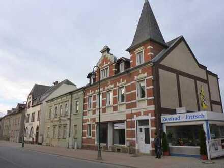 Kleines renovierungsbedüftiges Mehrfamilien-Geschäftshaus in Ostrau zu verkaufen