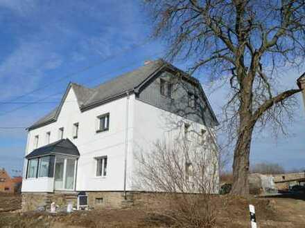 NEU Erstbezug nach kompletter Sanierung 4-Zimmer Erdgeschosswohnung in Langhennersdorf