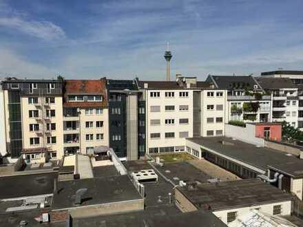 2 Zimmer Wohnen über den Dächern im beliebten Stadtteil Friedrichstadt