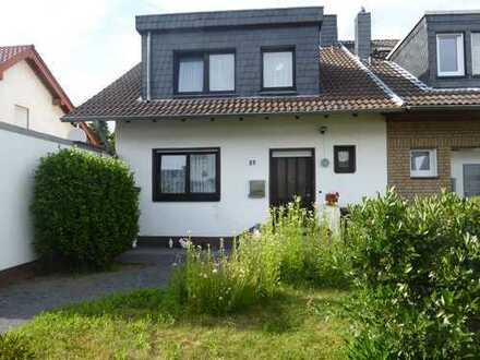 Geräumiges Haus mit fünf Zimmern in Rhein-Sieg-Kreis, Sankt Augustin