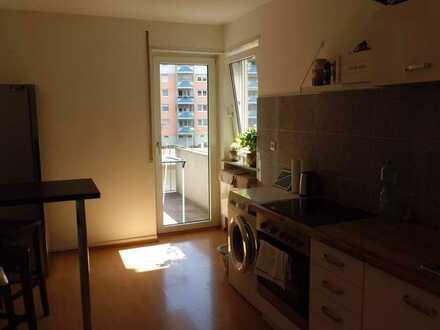 MA- Rheinau helle 2 Zimmer-Küche-Bad-Balkon 1.OG MFH