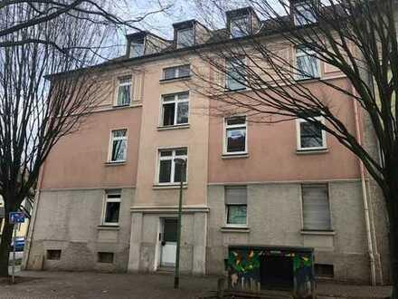 Günstige Etagenwohnung in E-Ostviertel