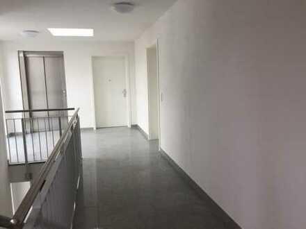Neubau - moderne, große 2 Zimmer Penthousewohnung mit Balkon und Ausblick