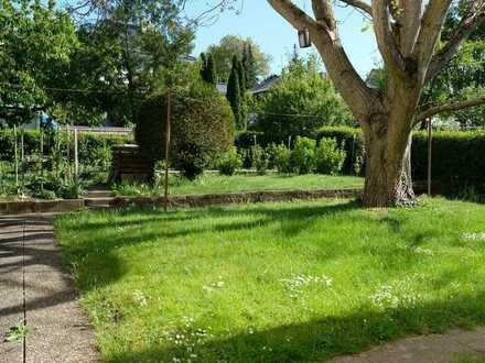 Altbau-Charme mit herrlichem Garten *Neubesetzung*