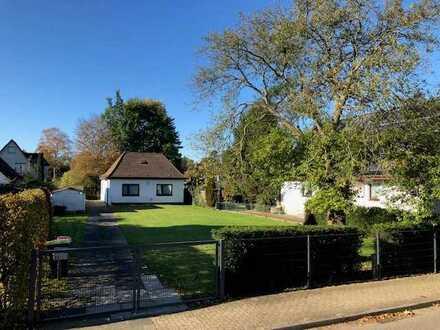 Sonniges und ideal geschnittenes Grundstück für 2 Einfamilienhäuser in Poppenbüttel zu kaufen!