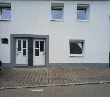 740 €, 100 m², 5 Zimmer