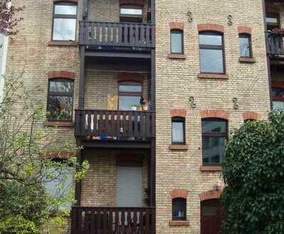 Sehr heimliche neu renovierte 1 ZW Wohnung für 1 Person mit Balkon (ohne Stellplatz) zentral in KA