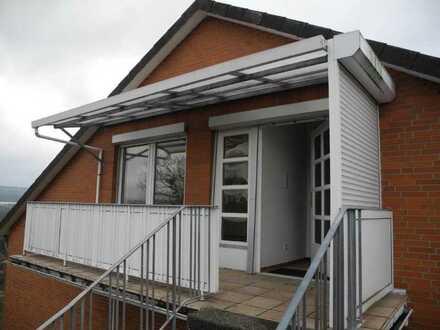 Erschwingliche und modernisierte Wohnung mit vier Zimmern und Balkon in Alfeld (Leine)