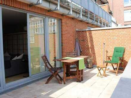 VORDERE NEUSTADT: MODERNE 2 ZIMMER-WOHNUNG MIT 17 m²-BALKON, WOHN-EBK, PARKETT & GARAGE