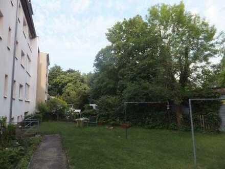 Attraktive, im Grünen gelegene und helle 2-Z-WE mit Wintergarten in Gohlis