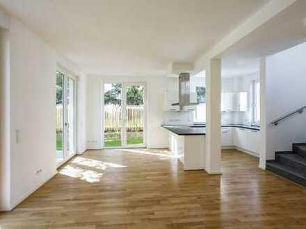 Äußeres Reihenhaus mit Terrasse & Garten | 3 Bäder | EBK | Außenjalousien | Bodenheizung