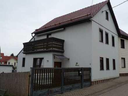 infamilienwohnhaus mit Grundstück, Garage und Nebengebäude