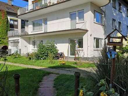 Vollständig renovierte 3-Raum-Wohnung mit Balkon in Bad Herrenalb