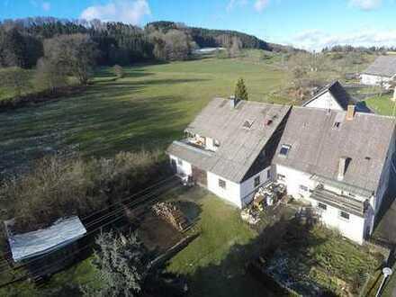 Wilhelmsdorf - Besondere Immobilie auf dem Lande mit viel Platz im und ums Haus...
