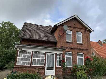 Hübsches Wohnhaus auf dem Land. 2 Wohneinheiten, wenige Km von Otterndorf.