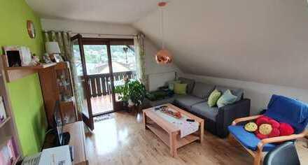 Nachmieter für helle, komfortable 2-Zimmer-Wohnung gesucht! Möbel ggf. zu übernehmen, wenn gewünscht