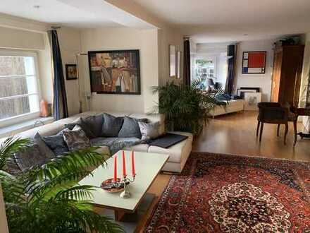 Gepflegte 2-Zimmer-EG-Wohnung mit Einbauküche in Dresden-Oberloschwitz