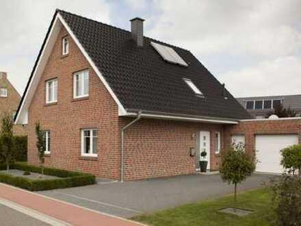Einfamilienhaus mit Garage , ca. 123 m2 Wfl.,598 m2 Grundstück (auch als Mietkaufvariante möglich)