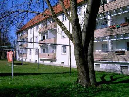 zentrums- und bahnhofsnahe 2-Zimmerwohnung mit Balkon