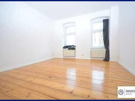 Studio Apartment Mitten in Mitte - Single Apartment mit Balkon und Einbauküche