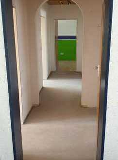 Exklusive, vollständig renovierte 3-Zimmer-Wohnung mit Balkon in Germering