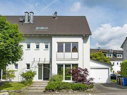 Doppelhaushälfte Toplage Bereich am Neuenhainer Wald