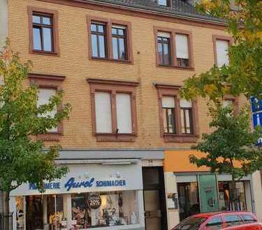 Komplett modernisierte 2-Zimmer-Altbauwohnung im Zentrum von Landau