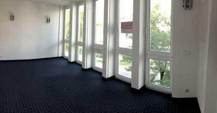 Sehr helle und moderne Büro oder Praxisräume in Gilching 3 Zimmer auf 2 Etagen