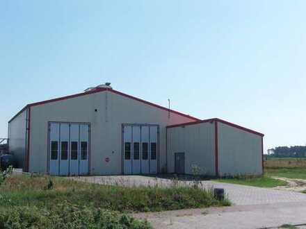 Gewerbehalle mit Büro- und Sozialtrakt - LKW/PKW Stellplätze - Bj. 2006 - TOP