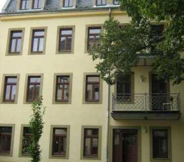 Ruhig gelegene 2 Raumwohnung mit Parkett und Balkon! Frei ab 01.04.2020!