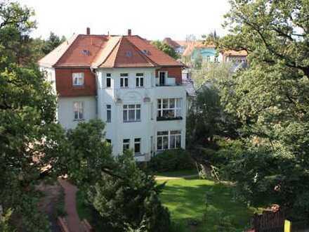 Möblierte 2-Zimmer-Terrassenwohnung mit Balkon und Einbauküche in Dresden