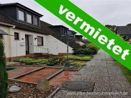 !! Gemütliches Reihenhaus mit Garage und riesigem Gartengrundstück - frei ab sofort !!