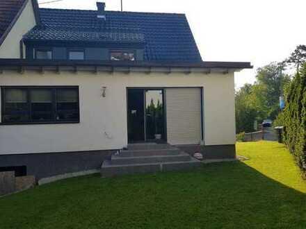 Schönes, geräumiges Haus mit vier Zimmern in Böblingen (Kreis), Sindelfingen