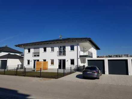 ... geräumige u. exklusive 3-Zi-Wohnung mit Balkon und hochwertiger EBK in ruhiger Lage...