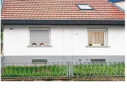 Doppelhaushälfte braucht neue Besitzer die gerne renovieren