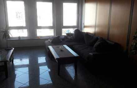 Freundliche, neuwertige 3-Zimmer-Wohnung mit gehobener Innenausstattung in Pleidelsheim