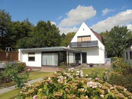 Provisionsfrei! Einfamilienhaus mit vielen Nutzungsmöglichkeiten und Garten in ruhiger Lage.