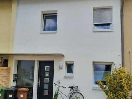 Schönes Haus mit vier Zimmern in Rhein-Neckar-Kreis, Neckargemünd