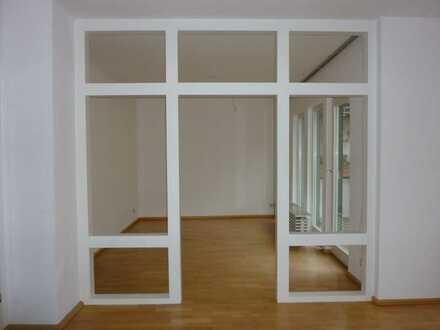 Sehr schöne Maisonette-Wohnung mit fünf Zimmern sowie Balkon und Dachterrasse