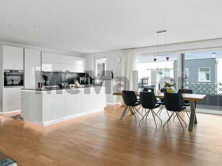 Minimalistischer Luxus am Rande des idyllischen Schwarzwalds: Smarthome-Penthouse mit Dachterrasse