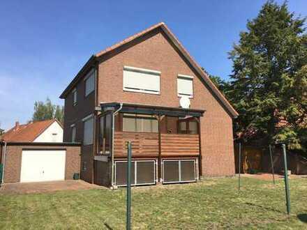 + Engelbostel + Ortskern - Gepflegtes 1-2 Familienhaus mit 2 Garagen +