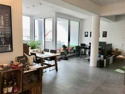 Loftwohnung mitten in Neunkirchen: die etwas andere Wohnung mit gehobener Ausstattung
