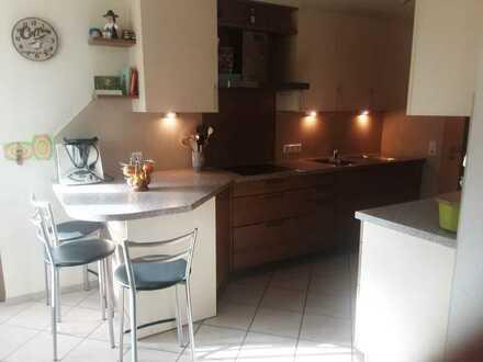 Gepflegte Maisonette-Wohnung mit fünf Zimmern sowie Balkon und EBK in Engen-Stetten