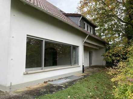 269.000 €, 250 m², 10 Zimmer
