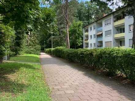 Stilvolle, gepflegte 3-Zimmer-Wohnung mit Balkon in Karlsruhe Waldstadt