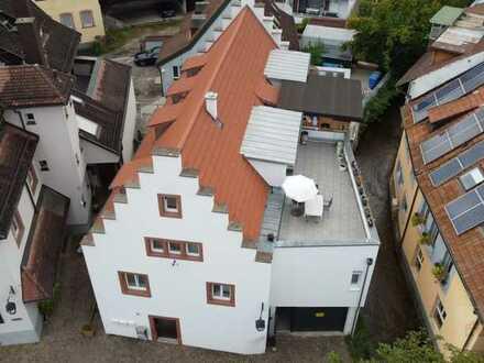 Einmalige Gelegenheit: Saniertes Mehrfamilienhaus mit 3 Wohneinheiten in begehrter Lage von Teningen