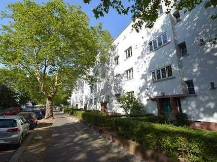 Wunderschöne und helle 2 Zimmer-Wohnung zur Eigennutzung in Lichtenberg.