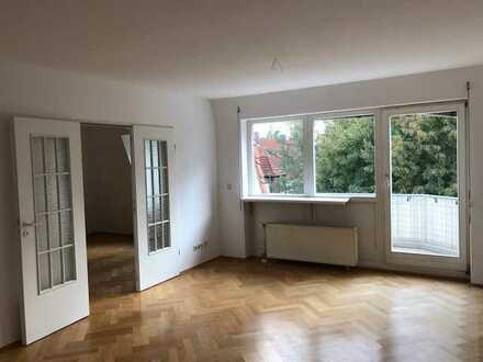 * schöne und helle 3-Zimmer-Wohnung mit Balkon *