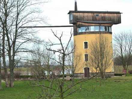 Historischer Turmdrehkran mit unverbaubarem Panoramablick ins weite Elbland